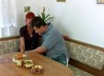 Zrzky video - Hezká sousedka na návštěvě