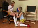 Lesbičky video - Náctileté mokré lezbičky